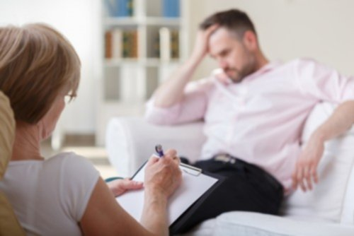how to become an addiction therapist