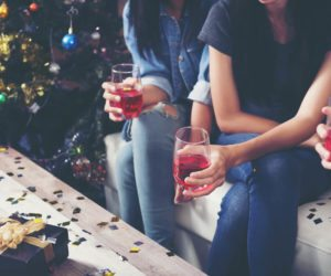 5 Tips for Staying Sober at Parties This Holiday Season