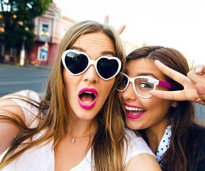 Making Friends in Early Sobriety: 7 Tips